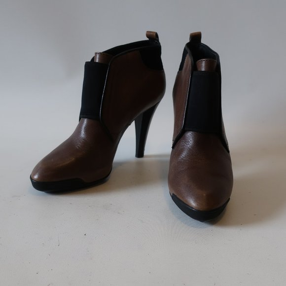 TOD'S BROWN BLACK LEATHER BOOTIE 36.5 US/6.5 *